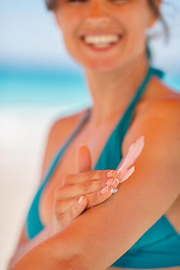 Understanding_the_Ingredients_in_Sunscreen
