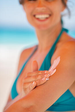 Understanding_the_Ingredients_in_Sunscreen